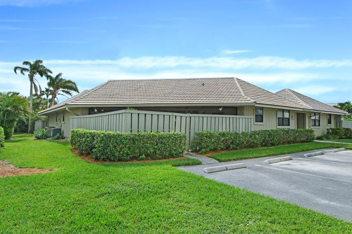 1127 E Seminole Avenue, 29 A, Jupiter, FL 33477