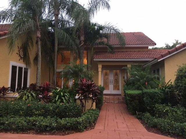 807 Parkside Circle North in One of Boca Raton's Most Sought after Gated Communities.