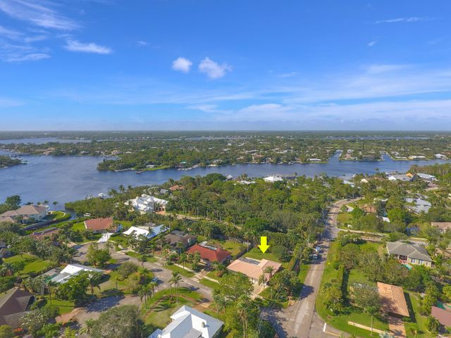123 Pinehill Trail W, Tequesta, FL 33469