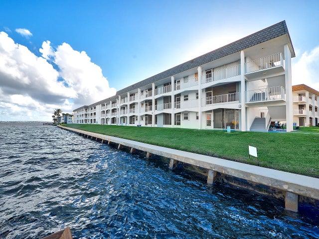 100 Shore Court, 110, North Palm Beach, FL 33408
