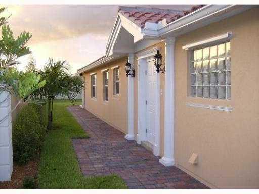 10441 SW Stratton Drive, Port Saint Lucie, FL 34987