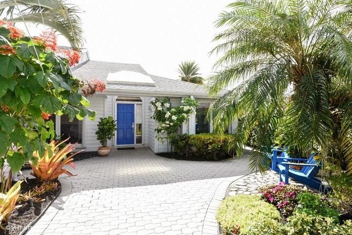 6636 S Pine Court, Palm Beach Gardens, FL 33418