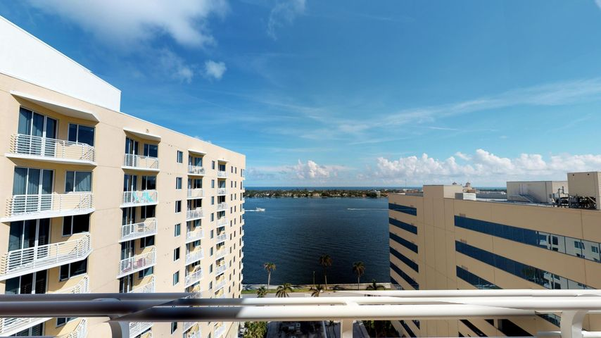 1551 N Flagler Dr Unit Drive, L11, West Palm Beach, FL 33401