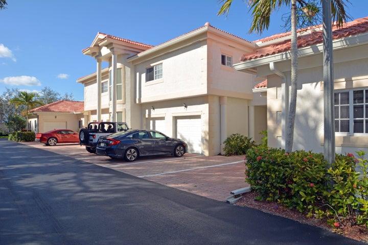 564 7th Square 201, Vero Beach, FL 32962