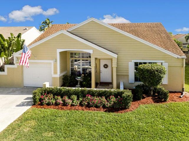 8562 Dynasty Drive, Boca Raton, FL 33433