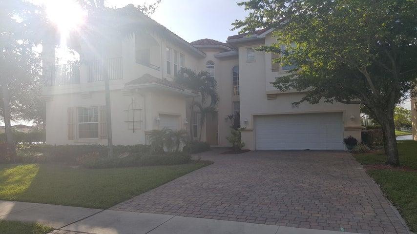 470 Cresta Circle, West Palm Beach, FL 33413