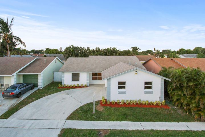 6177 Moonbeam Drive, Lake Worth, FL 33463