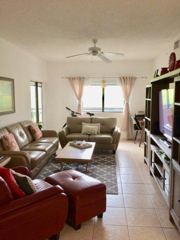 2801 Sarento Place, 302, Palm Beach Gardens, FL 33410