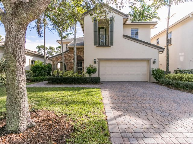 957 Mill Creek Drive, Palm Beach Gardens, FL 33410