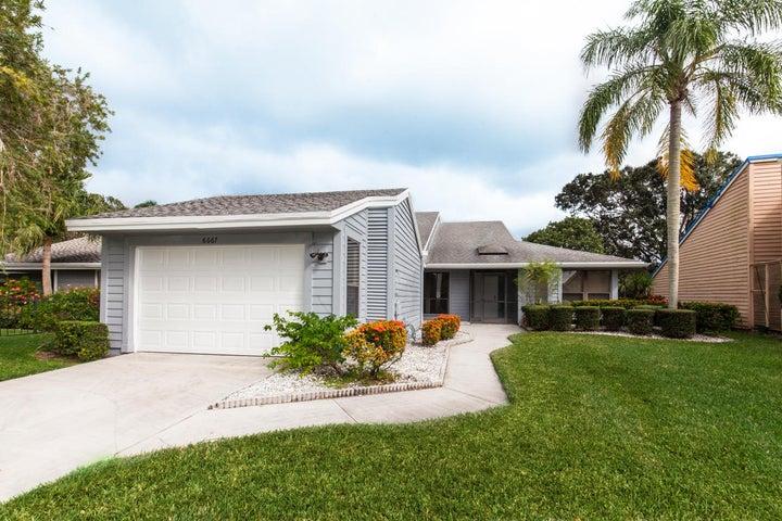 6667 S Pine Court, Palm Beach Gardens, FL 33418