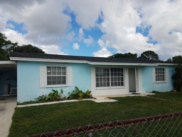 4765 Spingfield Drive, West Palm Beach, FL 33415