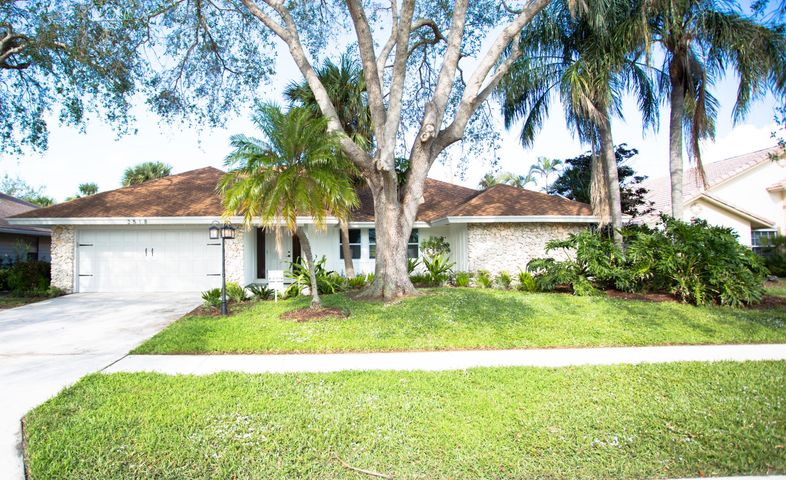 2518 Monaco Terrace, Palm Beach Gardens, FL 33410
