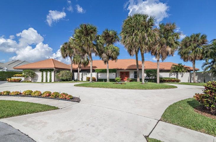 6 Carnoustie Circle, West Palm Beach, FL 33401