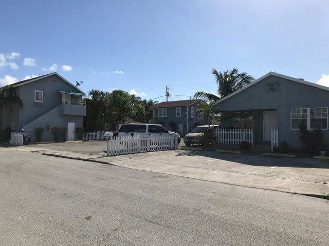 1000 W Lakewood Road, West Palm Beach, FL 33405