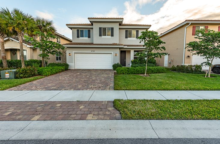 4743 Foxtail Palm Court, Greenacres, FL 33463