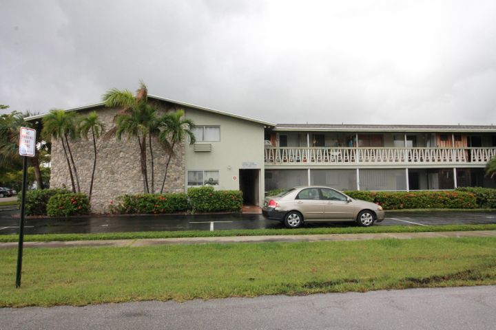 510 Lake Shore Drive 36, Lake Park, FL 33403
