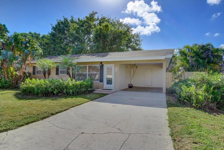 1222 Isle Court, Boynton Beach, FL 33426