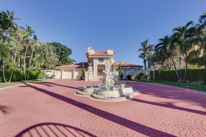 945 Palm Trail, Delray Beach, FL 33483