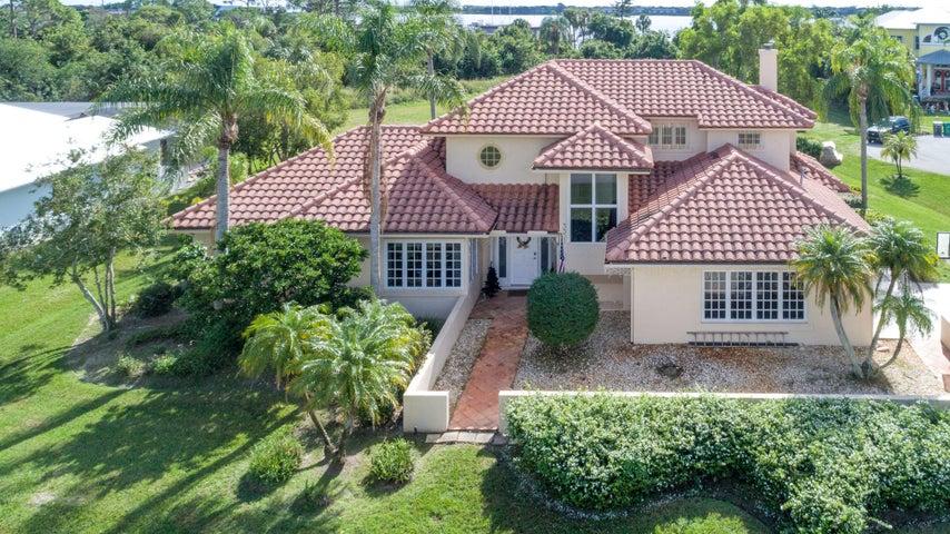 3301 SE River Vista Court, Port Saint Lucie, FL 34952