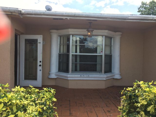 3450 NW 40th Court, Lauderdale Lakes, FL 33309