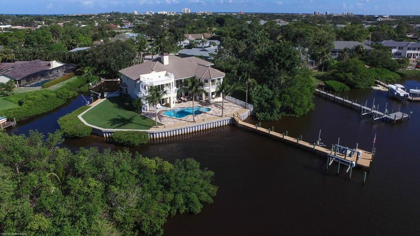 4480 River Pines Court, Tequesta, FL 33469