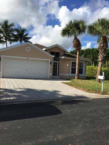 1700 Sawgrass Circle, Greenacres, FL 33413
