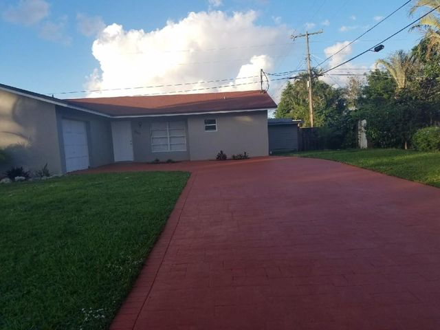 9111 Bracelet Drive, Lake Worth, FL 33467