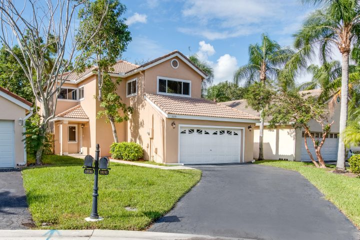 10191 NW 5th Street, Plantation, FL 33324