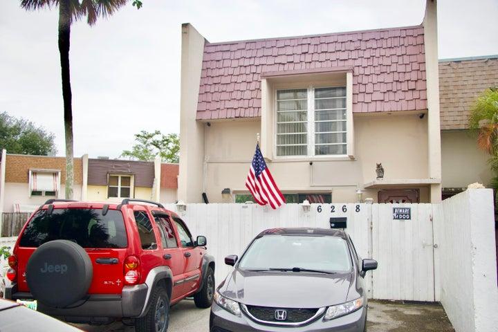 6268 Boulevard Of Champions, North Lauderdale, FL 33068