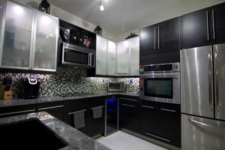 500 St Tropez Lane, Margate, FL 33068