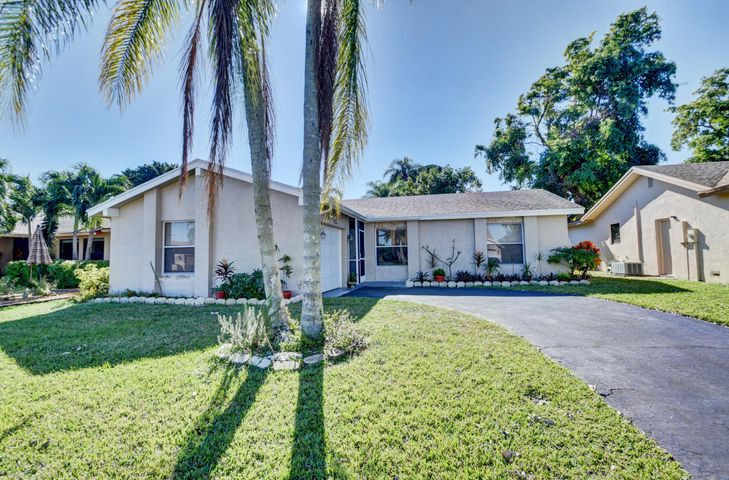 10610 Greenbriar Court, Boca Raton, FL 33498