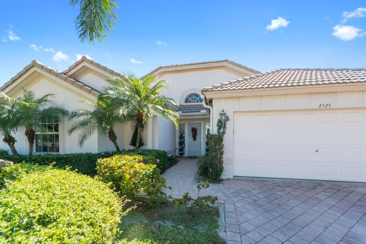 2525 Egret Lake Drive, Greenacres, FL 33413