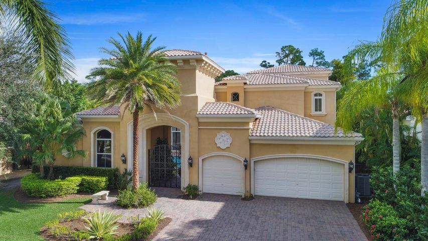 108 Via Quantera, Palm Beach Gardens, FL 33418
