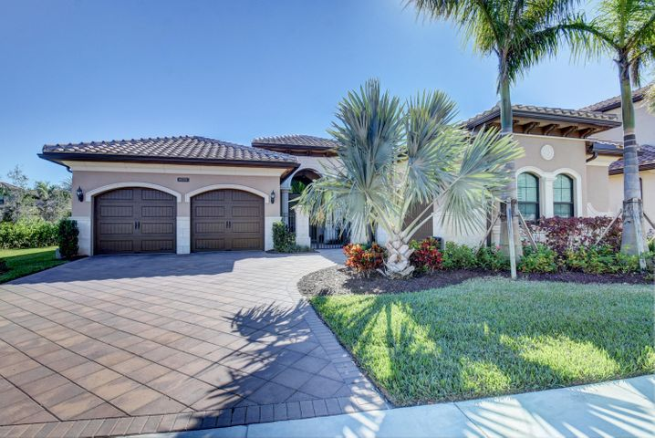 8770 Sydney Harbor Circle, Delray Beach, FL 33446