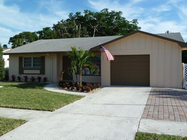 408 Highwood Circle, Jupiter, FL 33458
