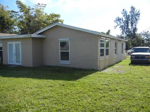 2909 Genessee Avenue, West Palm Beach, FL 33409