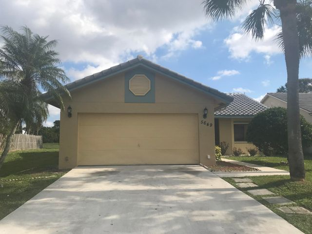 5649 Strawberry Lakes Circle, Lake Worth, FL 33463