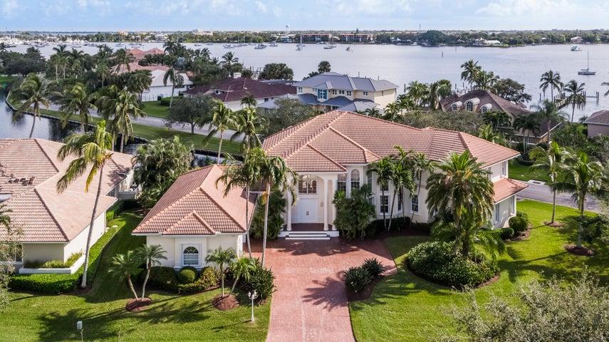 900 SW Bay Pointe Circle, Palm City, FL 34990