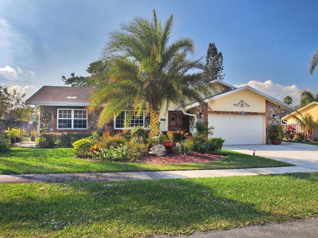 1111 NW 8th Court, Boynton Beach, FL 33426