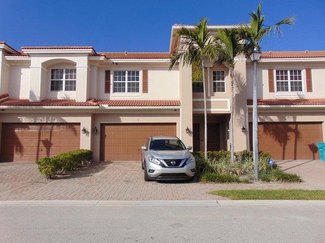 9 Nottingham Place, Boynton Beach, FL 33426
