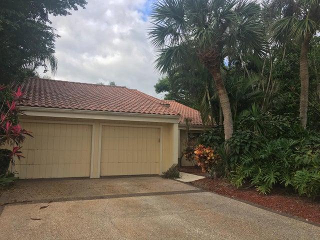 7704 Cedarwood Circle, Boca Raton, FL 33434