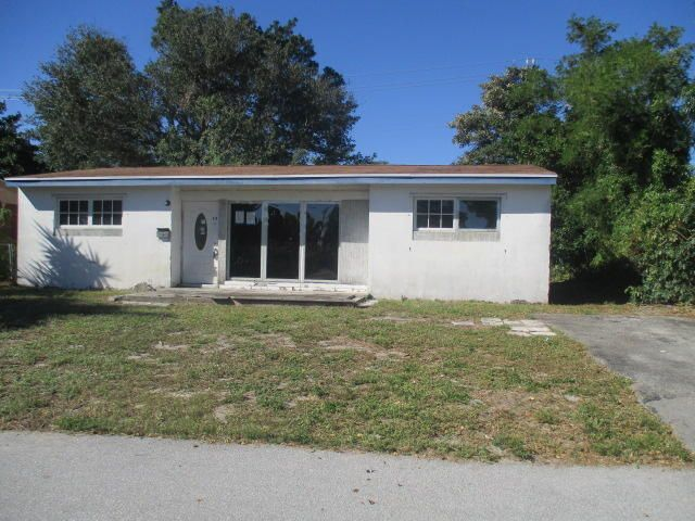 435 Seminole Drive, Lake Worth, FL 33462