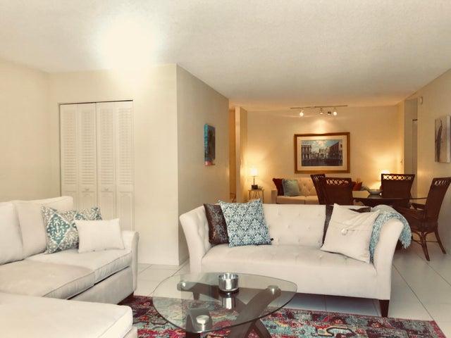 3215 S Ocean Boulevard, 703, Highland Beach, FL 33487