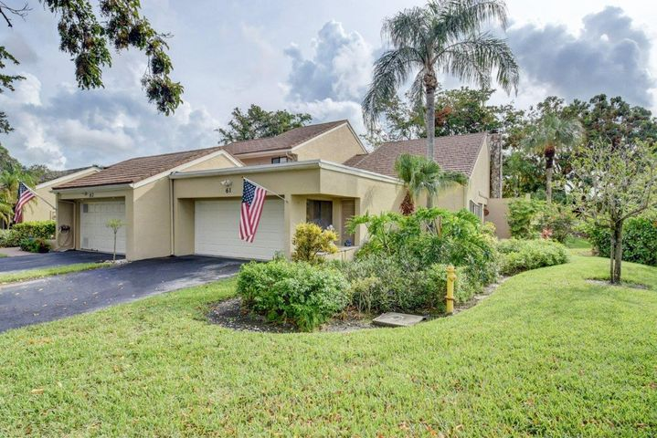 61 Balfour Road E, Palm Beach Gardens, FL 33418