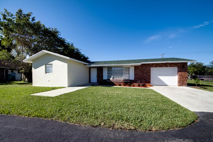 525 NW 7th Court, Boynton Beach, FL 33426