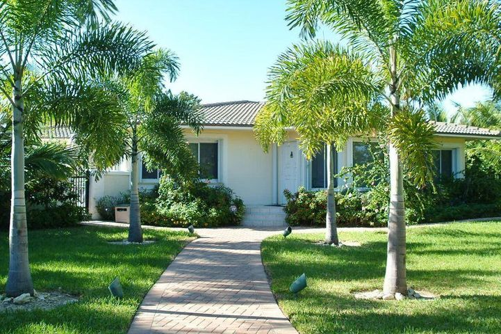 2401 Bay Drive, Pompano Beach, FL 33062
