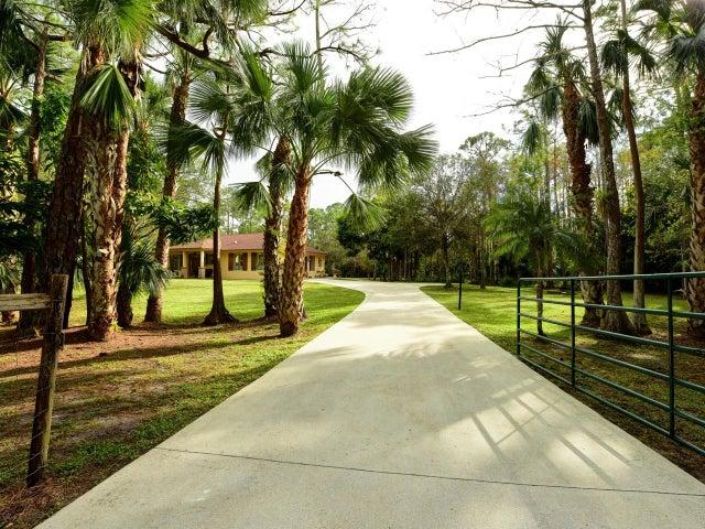 9792 Quail Trail, Jupiter, FL 33478