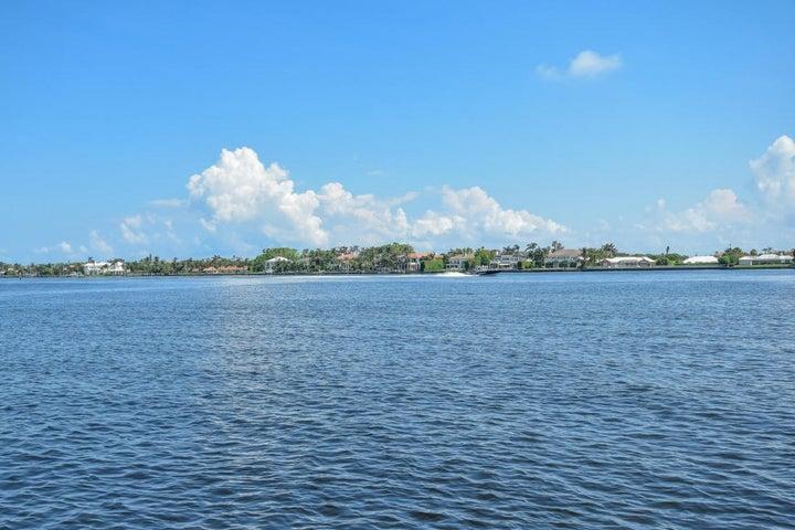 111 Yacht Club Way, 208, Hypoluxo, FL 33462