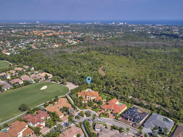 667 Hermitage Circle, Palm Beach Gardens, FL 33410