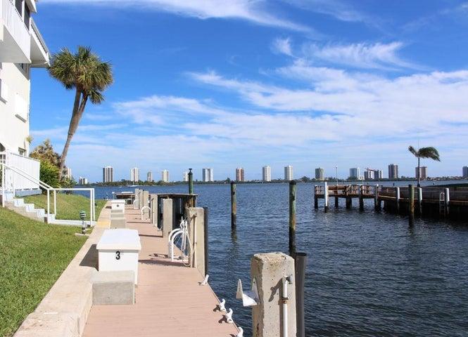 100 Doolen Court, 107, North Palm Beach, FL 33408